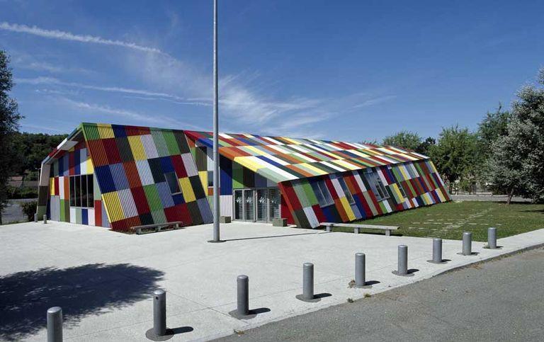 L'espace de rencontres de Montataire construit à l'emplacement des aires de stationnement